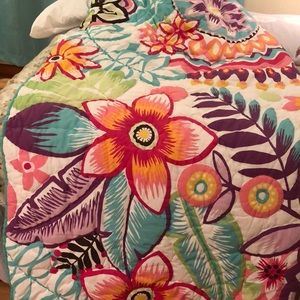 Pottery barn keala floral surf quilt twin 2 shams